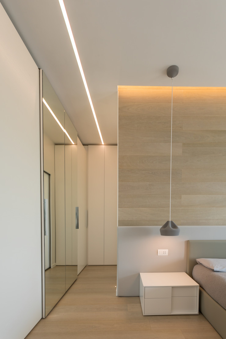 Casa <q>FG</q> bianco scolpito MAMESTUDIO Camera da letto moderna