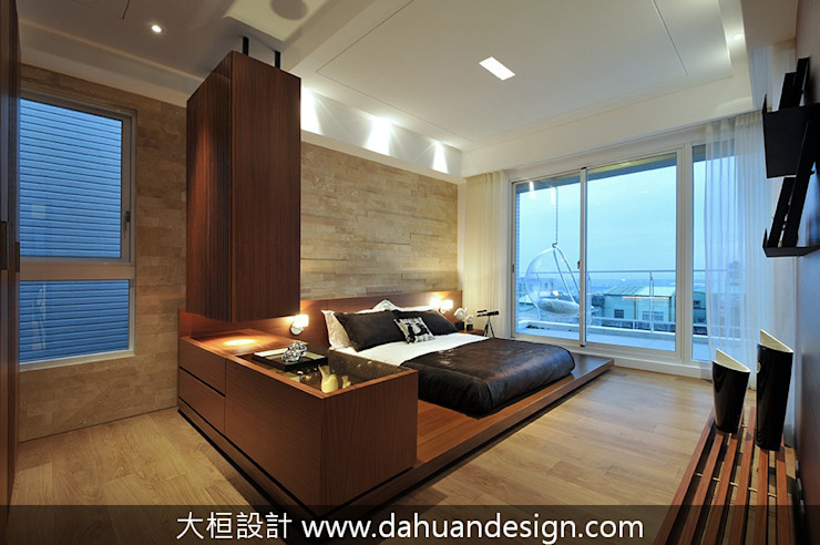大桓設計顧問有限公司 Camera da letto moderna Marmo Effetto legno