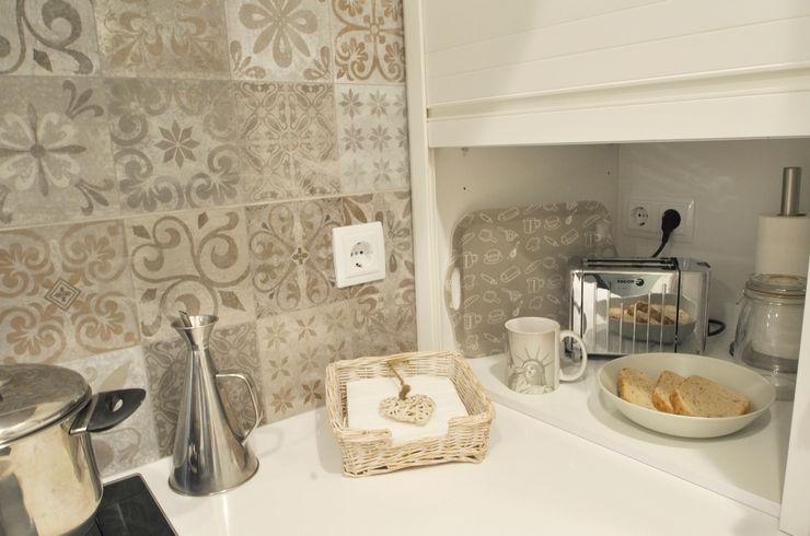 Sant Gervasi Thinking Home Cocinas de estilo clásico