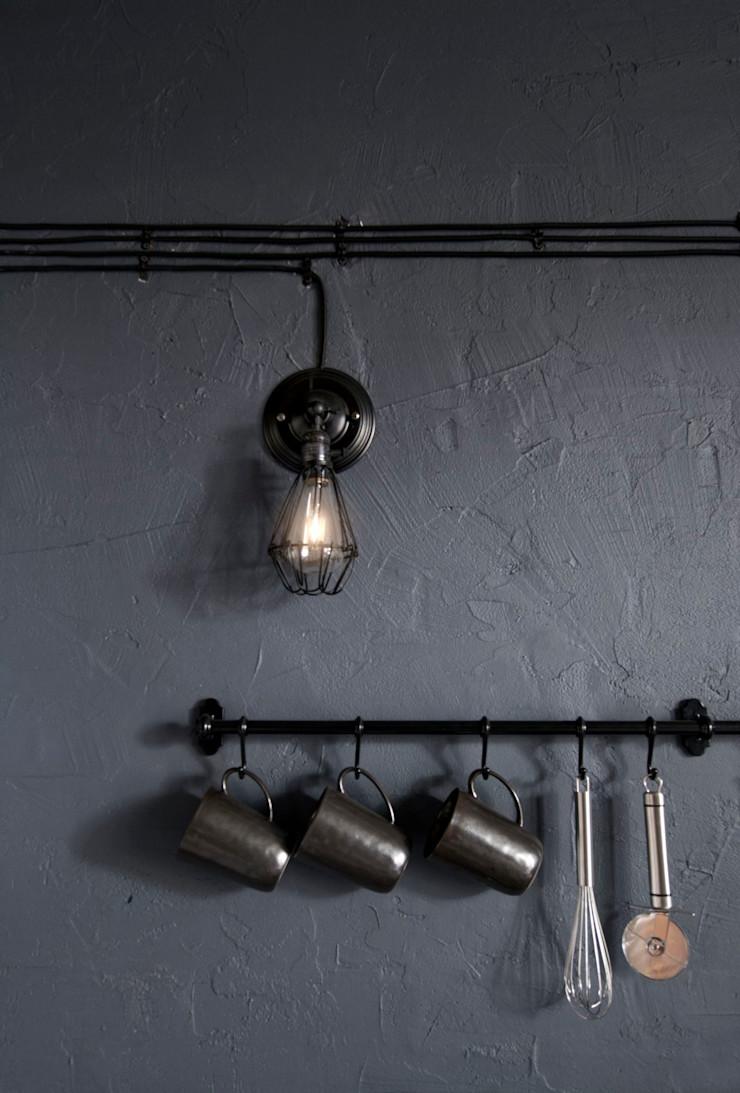 INT2architecture Cucina eclettica Ferro / Acciaio Grigio