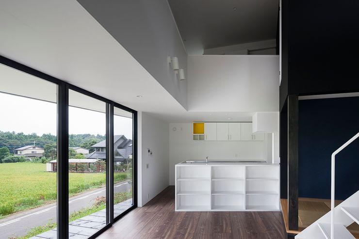 ダイニング 石川淳建築設計事務所 ミニマルデザインの ダイニング 白色