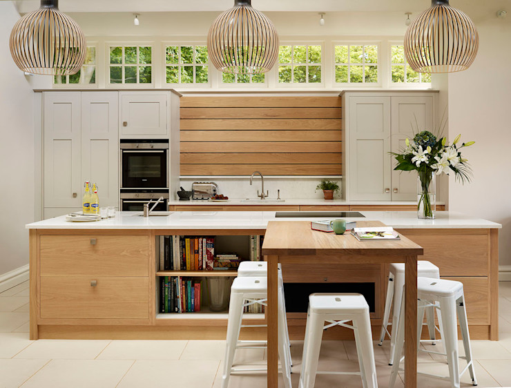 Extension to an Arts & Crafts house Teddy Edwards Country style kitchen