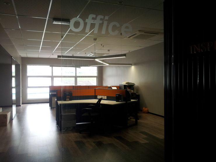 LI A'ALAF ARCHITECT Oficinas y Tiendas