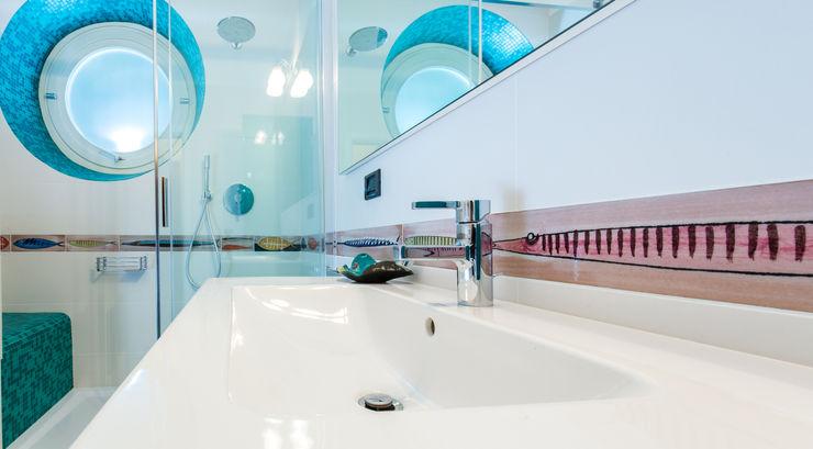ADIdesign* studio Kamar Mandi Modern Keramik Turquoise