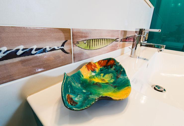 ADIdesign* studio Kamar Mandi Modern Keramik