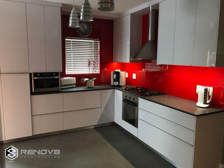 JOINERY DEPARTMENT Renov8 CONSTRUCTION Modern kitchen
