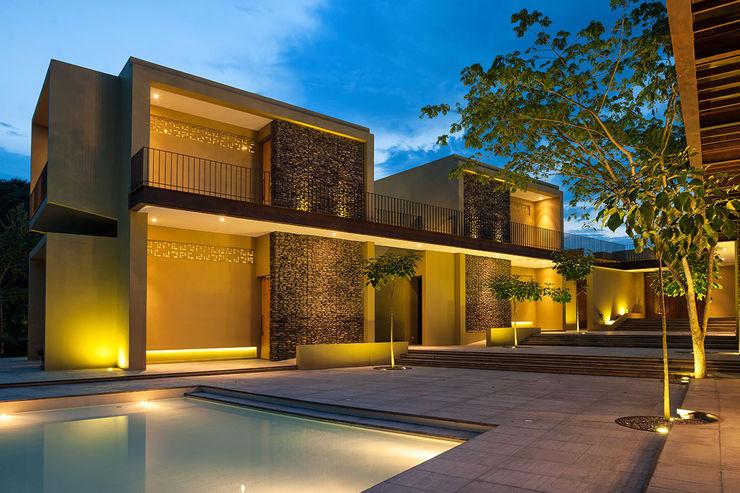 Casa Mesa de Yeguas X-13 NOAH Proyectos SAS Casas unifamiliares Concreto Ámbar/Dorado