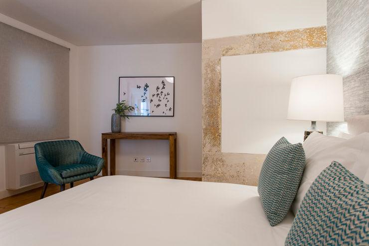Traço Magenta - Design de Interiores Modern style bedroom Blue