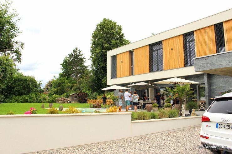 Vue de l'étage surplombant la terrasse 3B Architecture Villa Bois Blanc