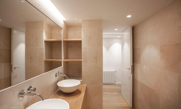 casa SC   Valencia, Spain estudio calma Baños de estilo escandinavo