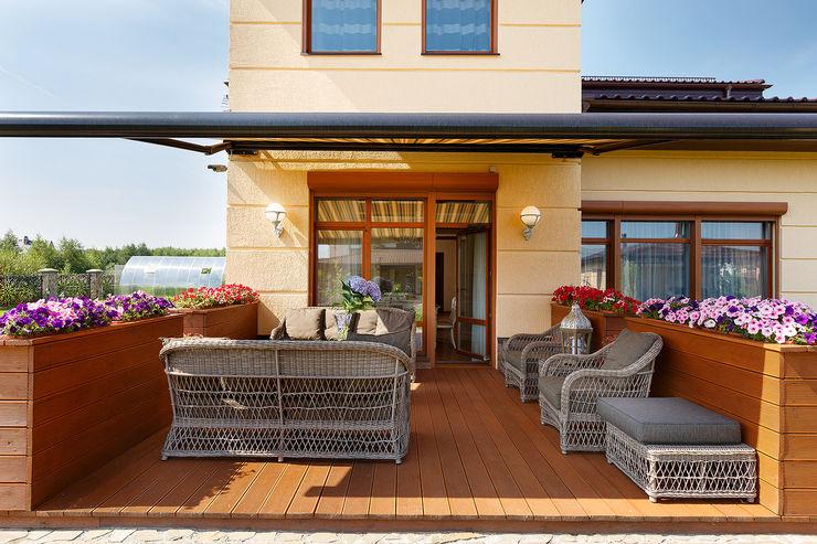 «Солнечная Резиденция», Дом в Румболово, 260 м.кв. Дизайн элитного жилья | Студия Дизайн-Холл Балкон и терраса в классическом стиле