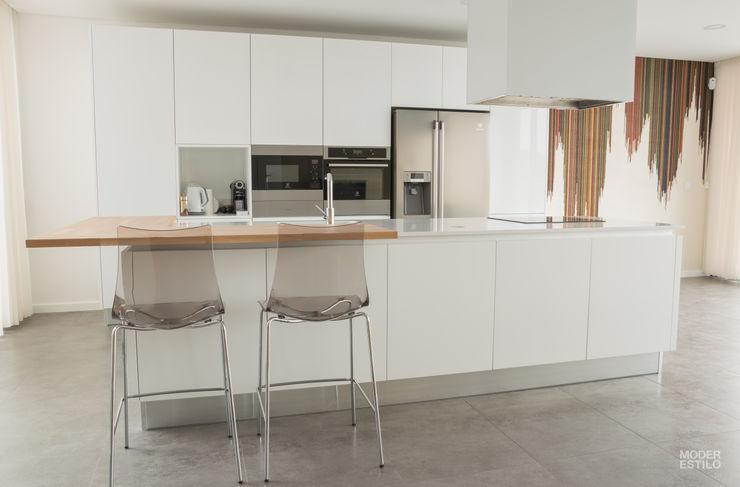 Moderestilo - Cozinhas e equipamentos Lda Кухонні прилади Білий