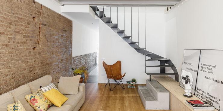 Salón Abrils Studio Salones de estilo ecléctico Madera Blanco