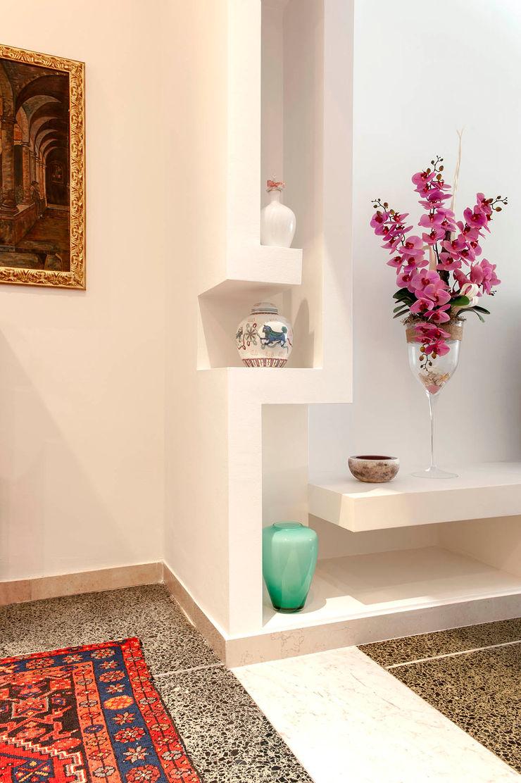 nA.nA. Project (iLove U) Luca Bucciantini Architettura d' interni Ingresso, Corridoio & Scale in stile minimalista