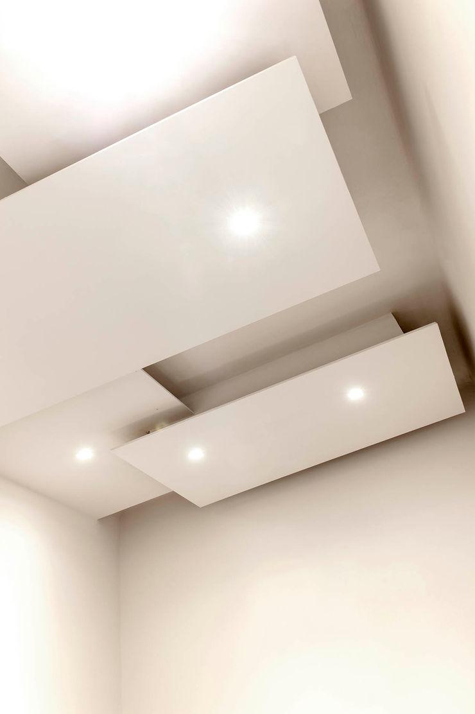 Corridoio Luca Bucciantini Architettura d' interni Ingresso, Corridoio & Scale in stile minimalista Bianco
