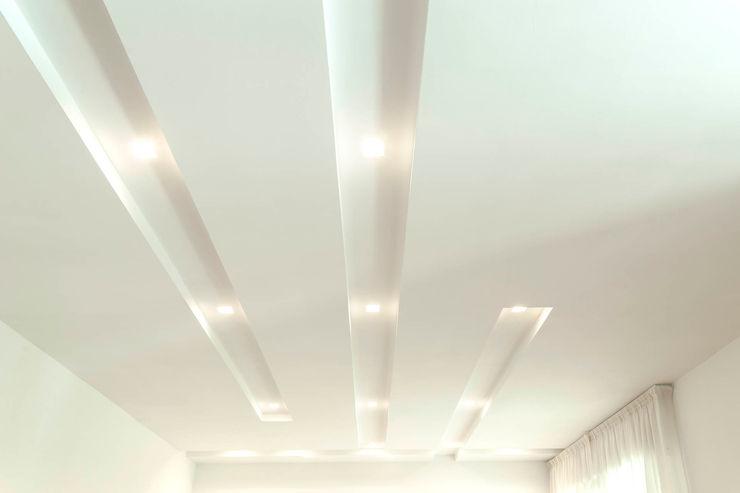 Soggiorno - Sala da Pranzo Luca Bucciantini Architettura d' interni Sala da pranzo minimalista Bianco
