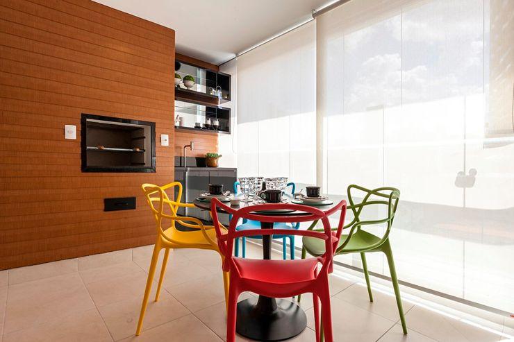 Larissa Lieders Arquitetura + Interiores Balcones y terrazas modernos: Ideas, imágenes y decoración Plástico Multicolor