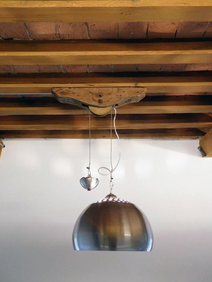 Appartamento Contemporaneo in Centro Storico Studio di Architettura IATTONI Ingresso, Corridoio & Scale in stile minimalista