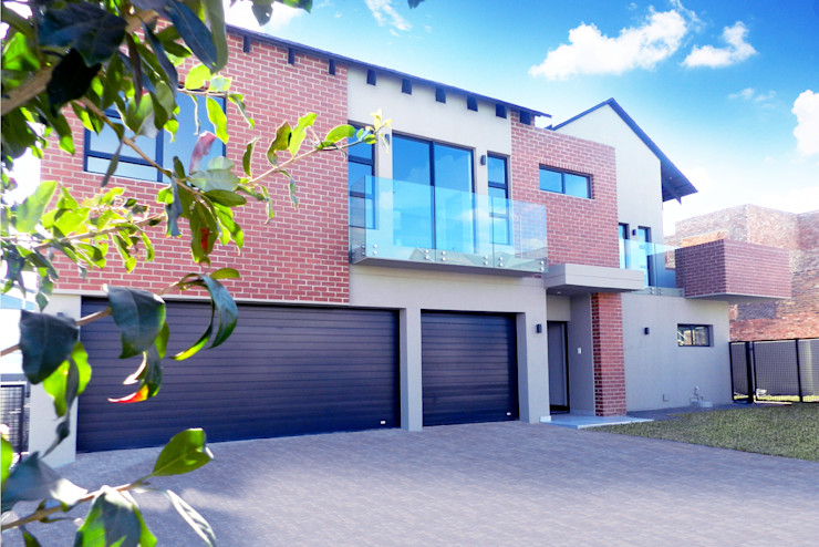 Front of House TOP CENTRE PROPERTIES GROUP (PTY) LTD Single family home