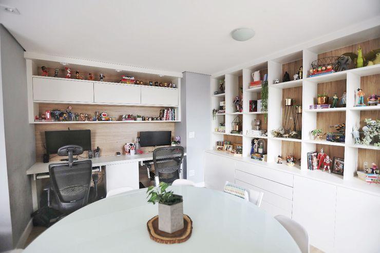 Studio M Arquitetura Modern Study Room and Home Office