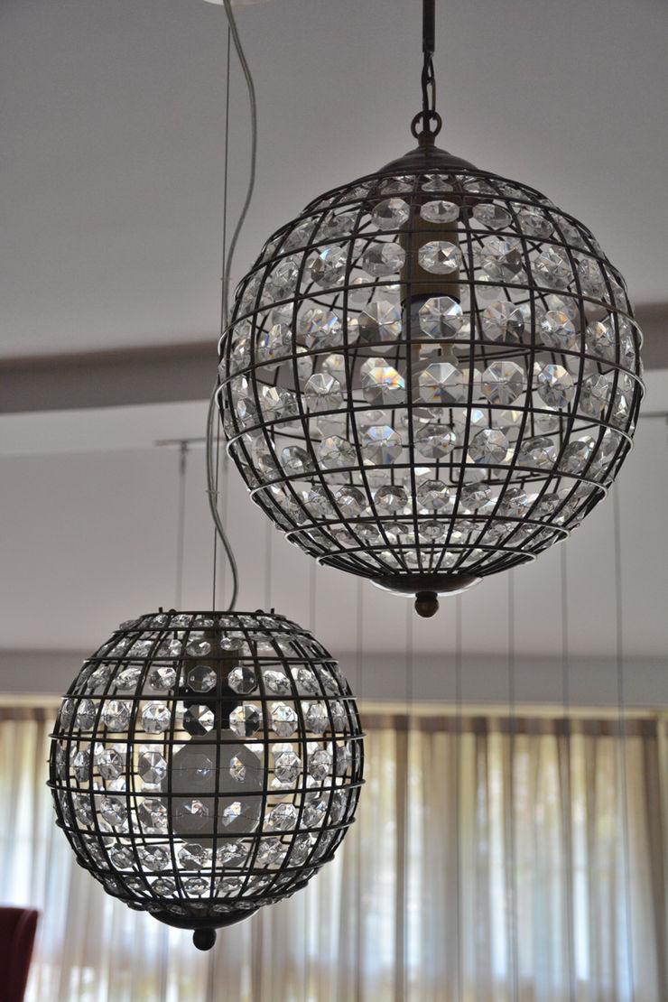 Luces Almudena Madrid Interiorismo, diseño y decoración de interiores Salones de estilo clásico