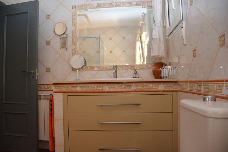 baño después Almudena Madrid Interiorismo, diseño y decoración de interiores Baños de estilo clásico