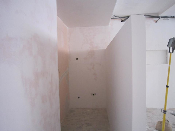 Remodelação de escritório em Vila Nova de Gaia - Divisórias em Pladur PROJETARQ Edifícios comerciais modernos