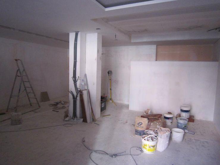 Remodelação de escritório em Vila Nova de Gaia PROJETARQ Edifícios comerciais modernos