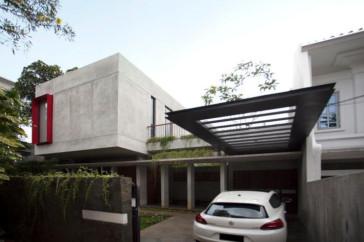 WOSO Studio Modern garage/shed