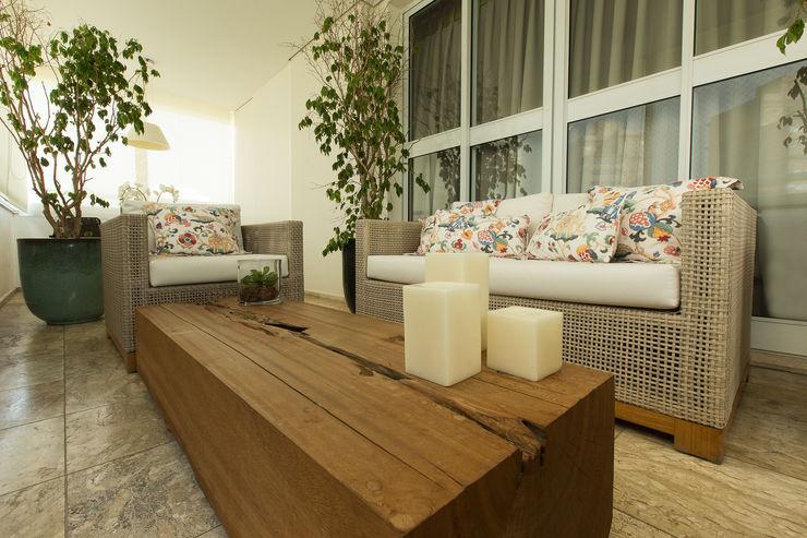 Flavia Castellan Arquitetura Balcones y terrazas modernos: Ideas, imágenes y decoración