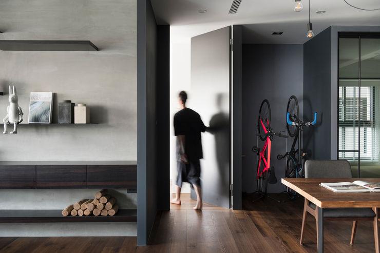 主臥入口 邑田空間設計 Modern walls & floors