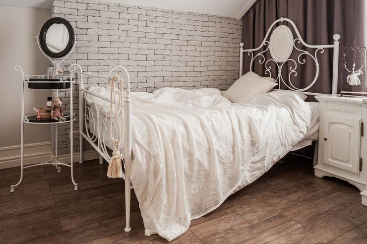 ЗАГОРОДНЫЙ ДОМ В СТИЛЕ ПРОВАНС. 'Студия дизайна Марины Кутеповой' Детская комнатa в классическом стиле