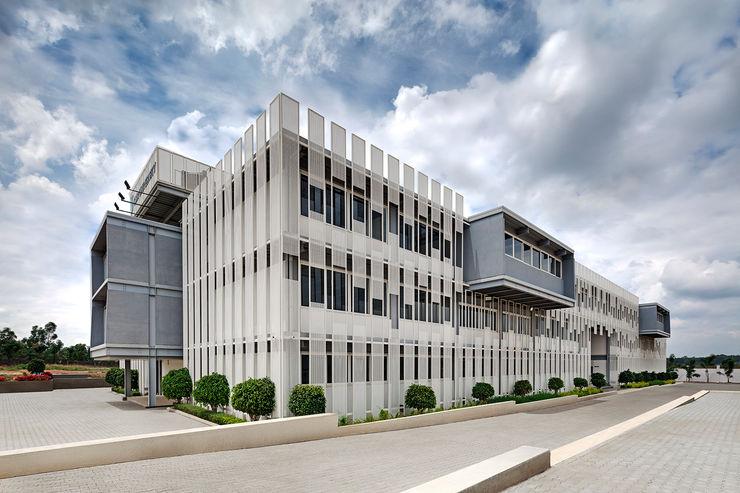 CMR University - Admin and Academic Block M9 Design Studio Modern schools