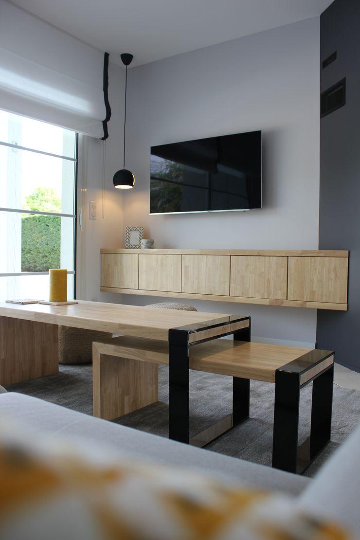 monicacordova Modern living room