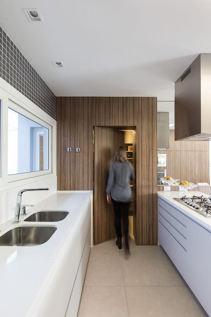 Rabisco Arquitetura Dapur Modern MDF Wood effect