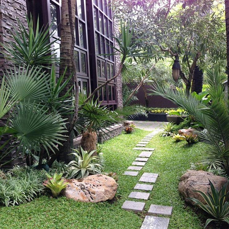 Tukang Taman Surabaya - Tianggadha-art Front yard Stone Green