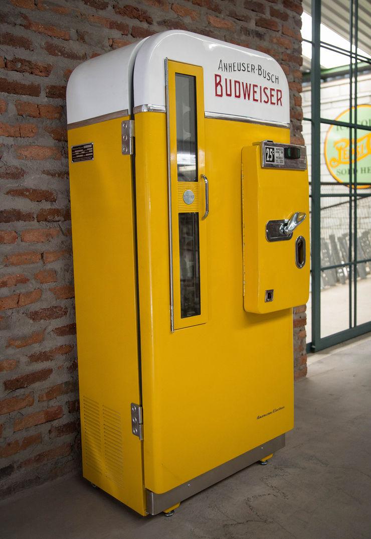 OldLook Office spaces & stores Metal Yellow