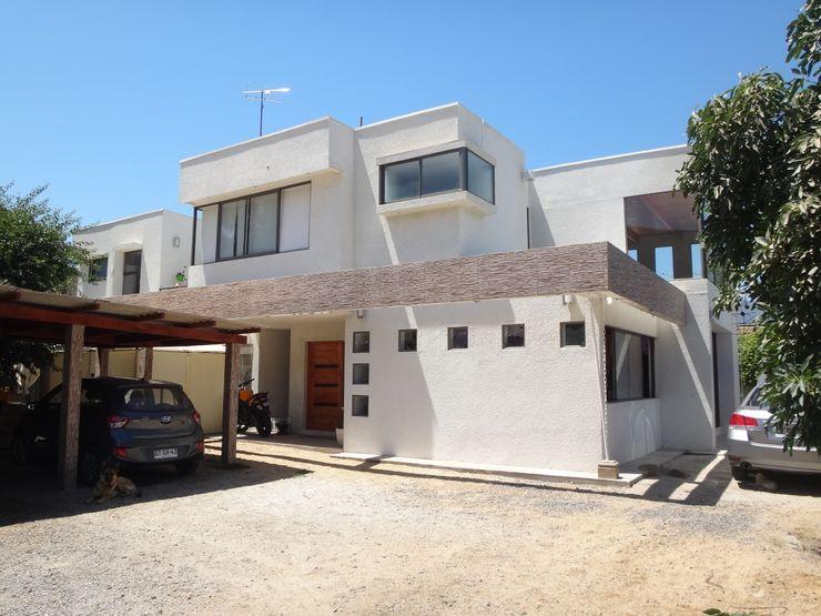 FACHADA NORTE ARKITEKTURA Casas unifamiliares Ladrillos Blanco