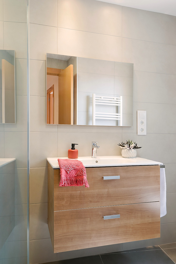 Baño detalle mueble. Markham Stagers Baños de estilo moderno