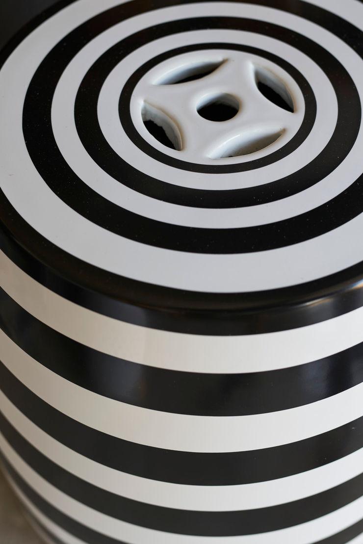 Bodrum Bodrum Esra Kazmirci Mimarlik Living roomSide tables & trays Ceramic Black