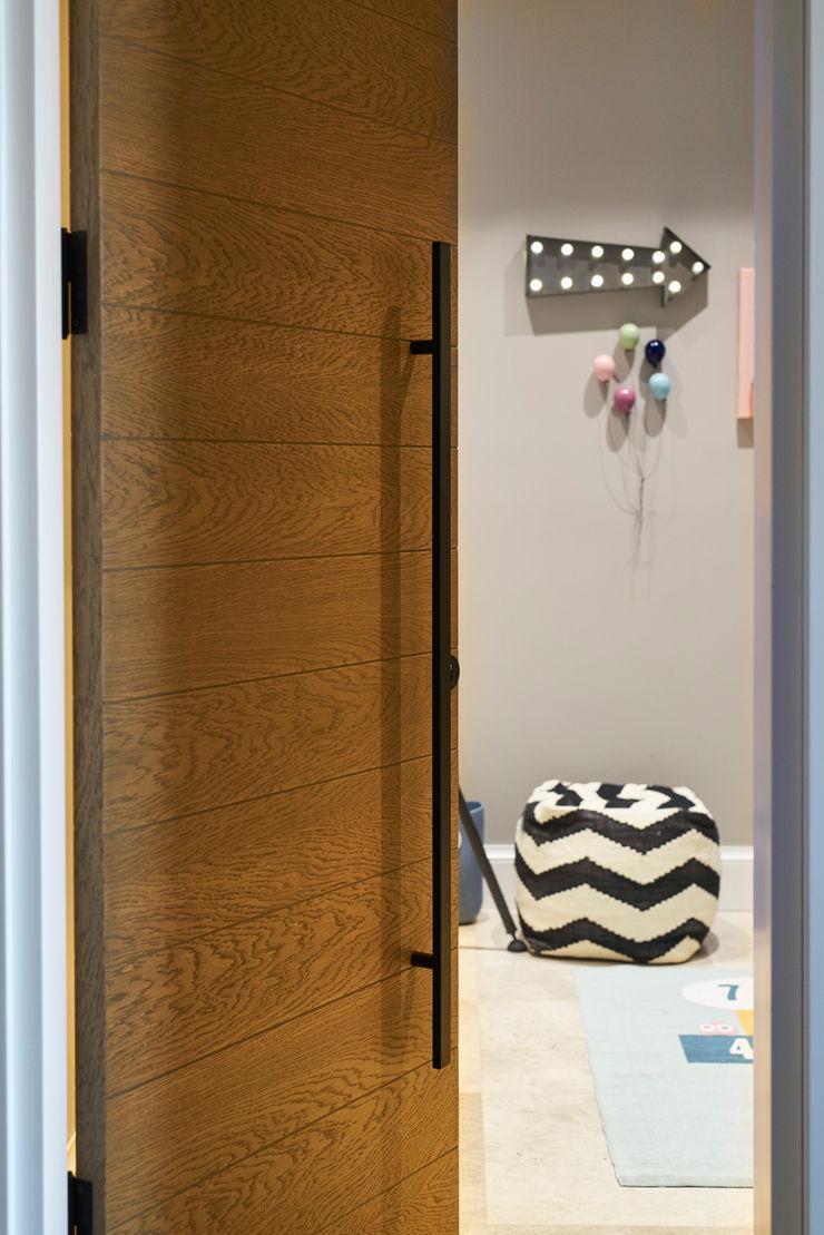 BODRUMBODRUM Esra Kazmirci Mimarlik BathroomDecoration Wood Grey
