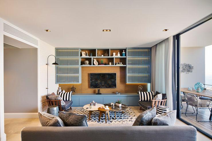 Bodrum Bodrum Esra Kazmirci Mimarlik Eclectic style living room Wood Blue