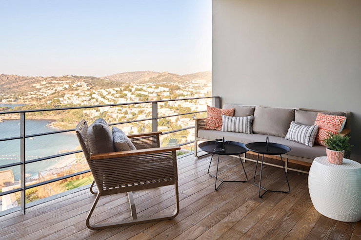 BodrumBodrum Esra Kazmirci Mimarlik Eclectic style balcony, veranda & terrace Ceramic Brown