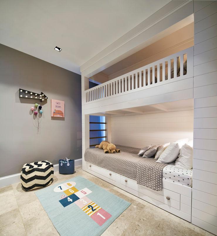 Bodrum Bodrum Esra Kazmirci Mimarlik Eclectic style bedroom Wood White