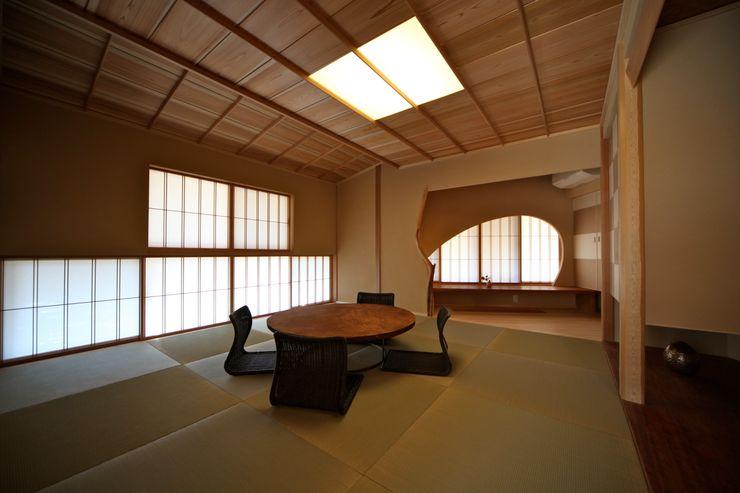 和室 株式会社高野設計工房 和風デザインの 多目的室