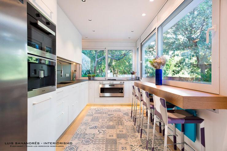 Lyte Iluminacion Modern Kitchen