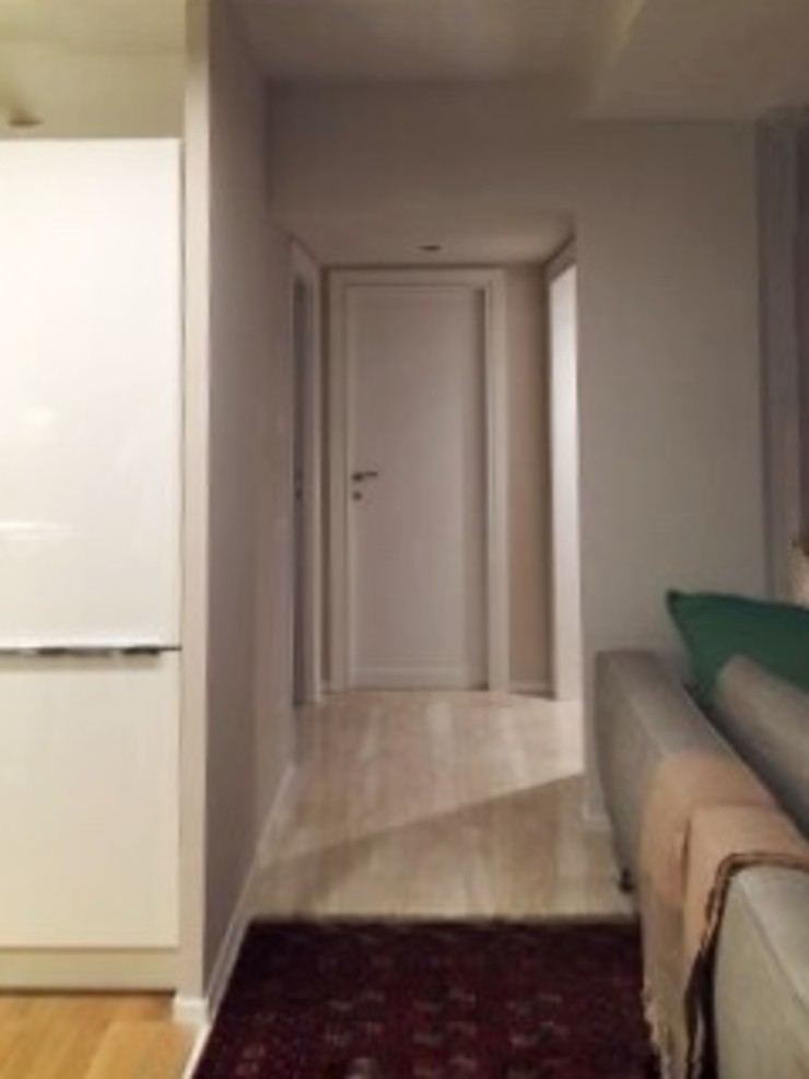 DUOLAB Progettazione e sviluppo Modern corridor, hallway & stairs Marble White