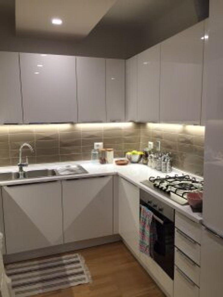 DUOLAB Progettazione e sviluppo Built-in kitchens Wood White
