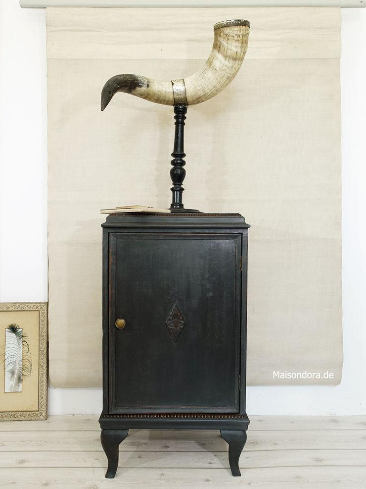 Maisondora Vintage Living Living roomCupboards & sideboards Wood Black