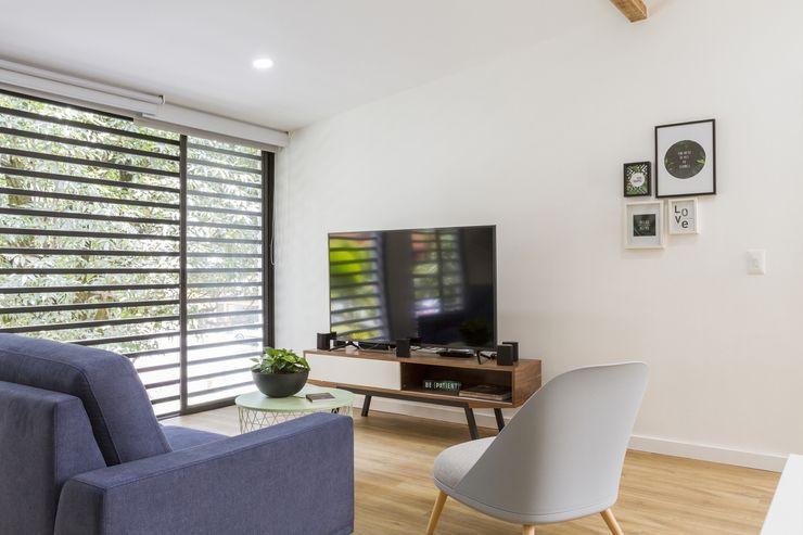 Adrede Arquitectura Вітальня Дерево Білий